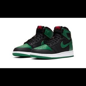 BRAND NEW PINE GREEN 1's size 6.5 hard to find!